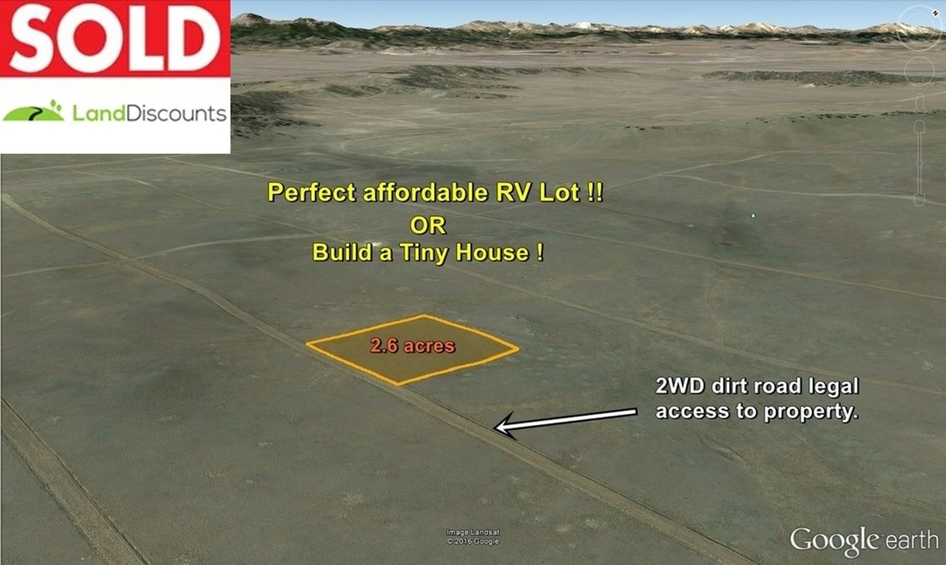 Outline of 2.6 acre cheap Tiny House lot south of Harstel, CO